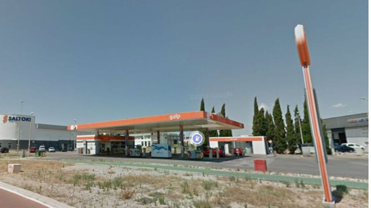"""Un ladrón al atracar dos veces seguidas una gasolinero: """"Perdón, el trabajo está muy mal"""""""