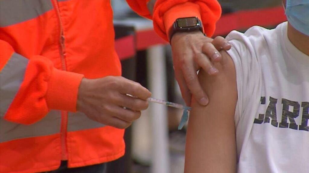 La tercera dosis incrementa 11 veces la protección frente al contagio