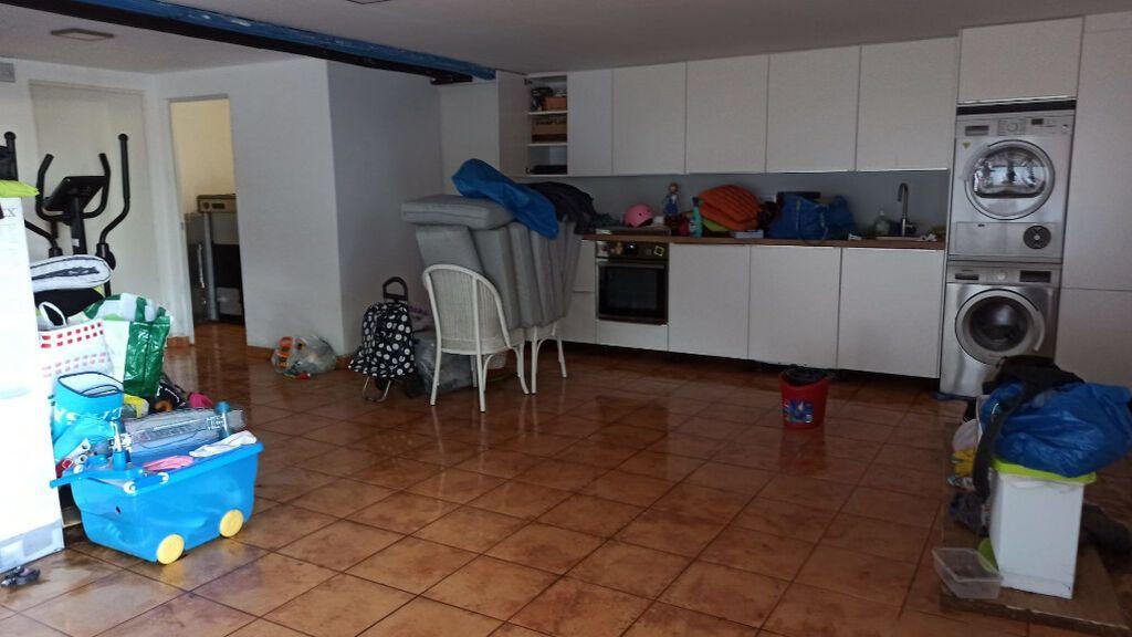 El garaje de Luis se vio anegado por una mezcla de aguas fecales y pluviales