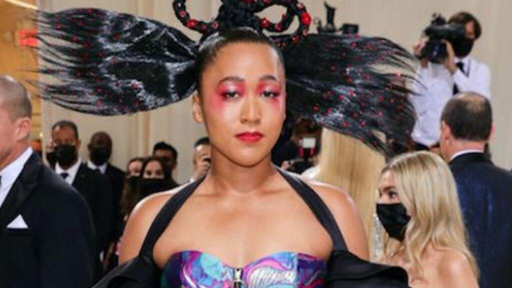 Gala MET: cuando los deportistas dan rienda suelta a sus looks más extravagantes como el de Naomi Osaka