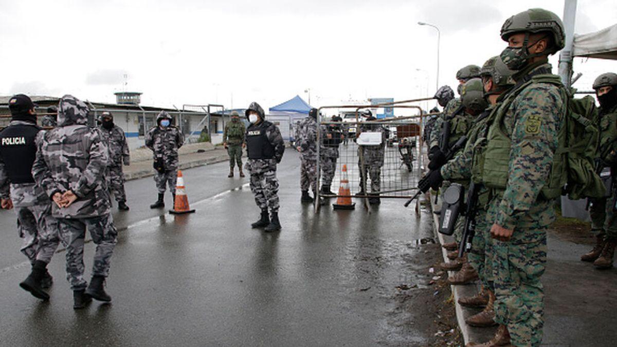 Ecuador: La guerra entre bandas provoca un ataque con dron a una prisión