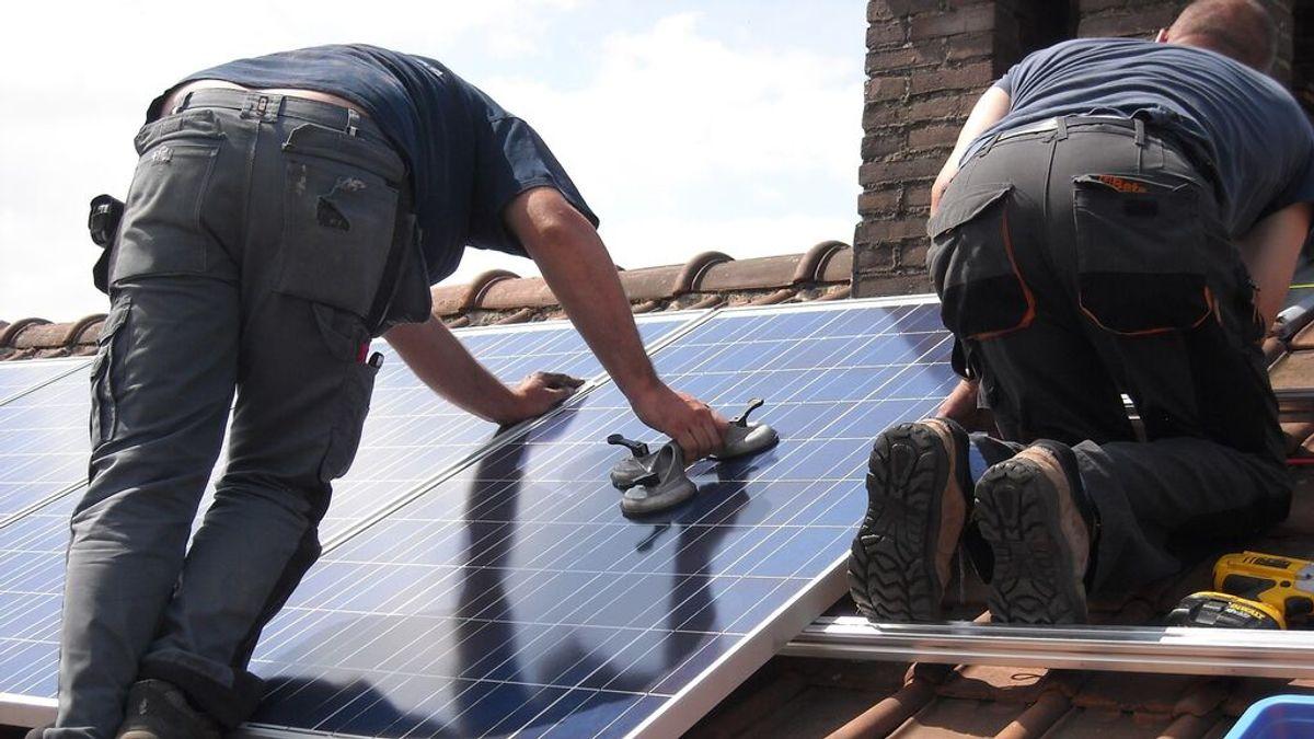 Normativa sobre paneles solares en viviendas: ¿qué necesito saber para instalarlas?