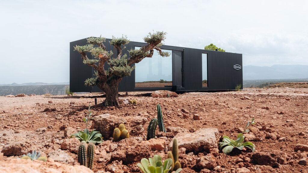 Un hotel cápsula de lujo sostenible se instala en pleno desierto de Granada