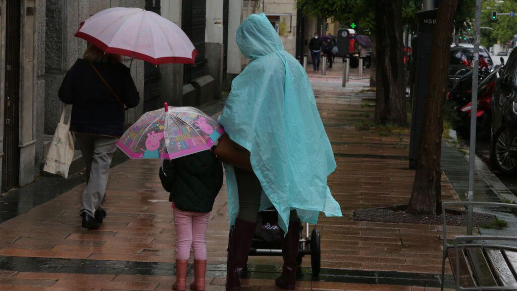 Las tormentas dejan más de 3.000 rayos en Galicia y obligan a activar las alertas también este martes