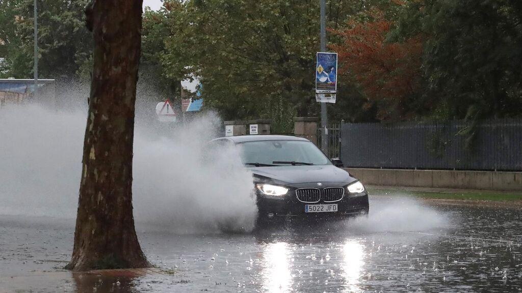 La tormenta arrasa con A Coruña y deja calles inundadas