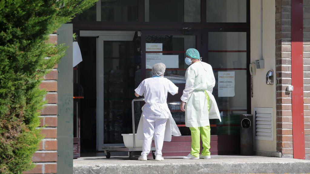 Un 8 % de los trabajadores de residencias privadas en España se niega a vacunarse