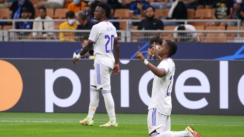 Rodrygo salva al Madrid ante el Inter en el último suspiro (0-1)