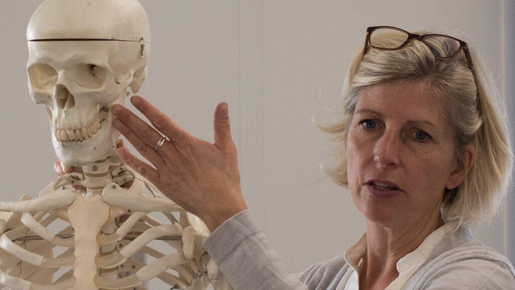 """Malin Holst, osteoarqueóloga: """"Doy voz a personas que no han podido hablar en otras épocas"""""""