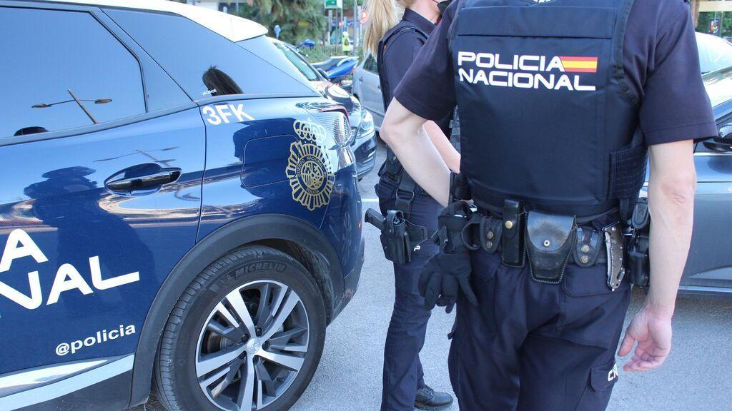 La policía realiza una inspección de la vivienda del menor de Morón de la Frontera desaparecido