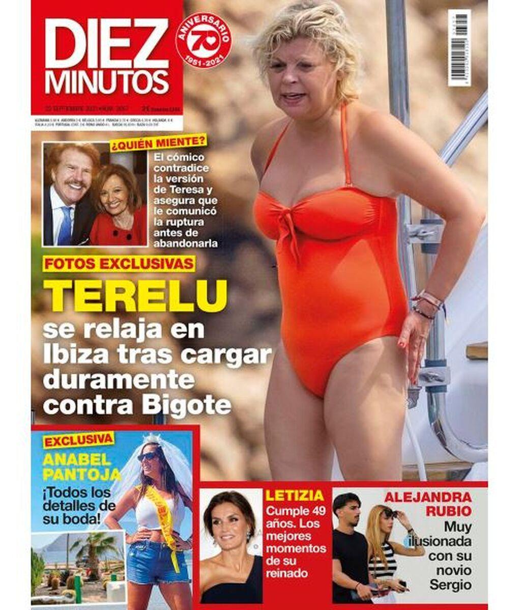 Terelu Campos, en bañador, a bordo de un barco en Ibiza
