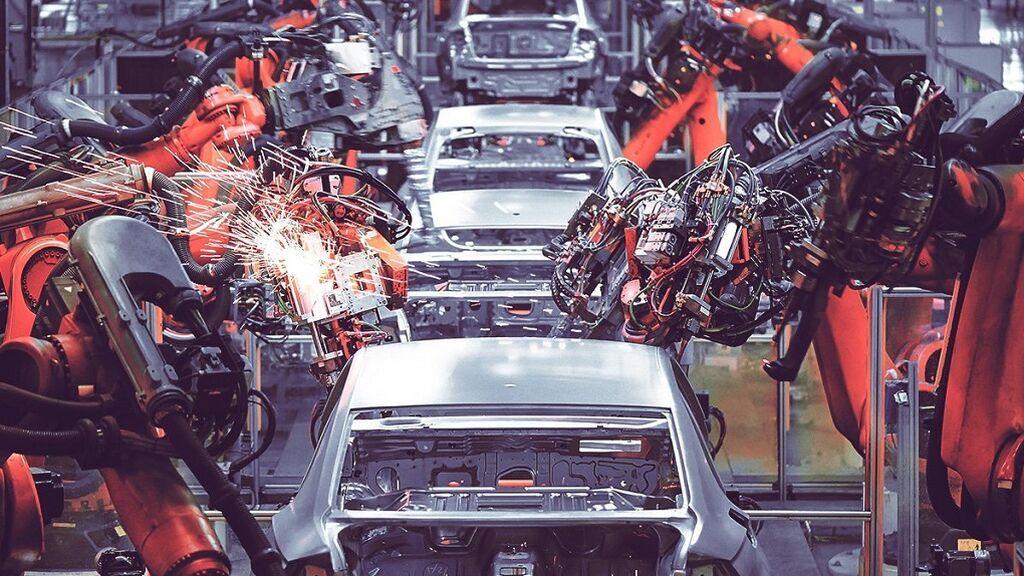 La crisis de los microchips: ¿por qué el plazo medio de entrega de un coche nuevo ha pasado a más de 100 días y hace un año era la mitad?