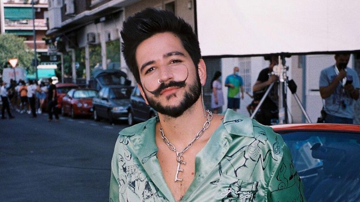 La historia del bigote de Camilo, la seña de identidad que le acompaña desde los 22 años