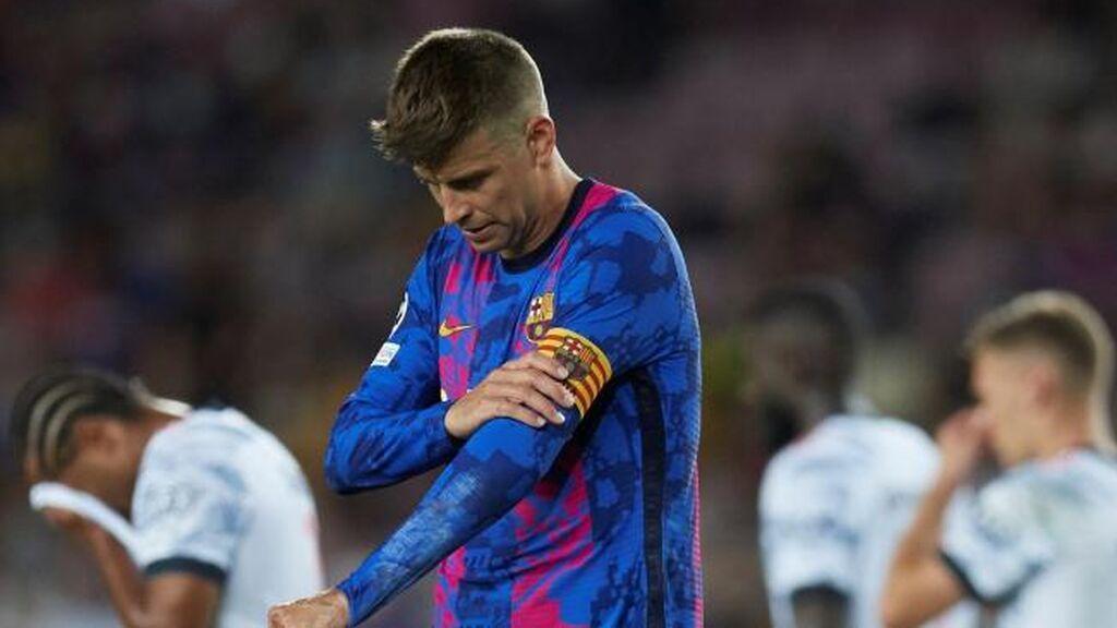 """Piqué intentó levantar el ánimo de sus compañeros en el vestuario: """"Vamos a ir a más"""""""