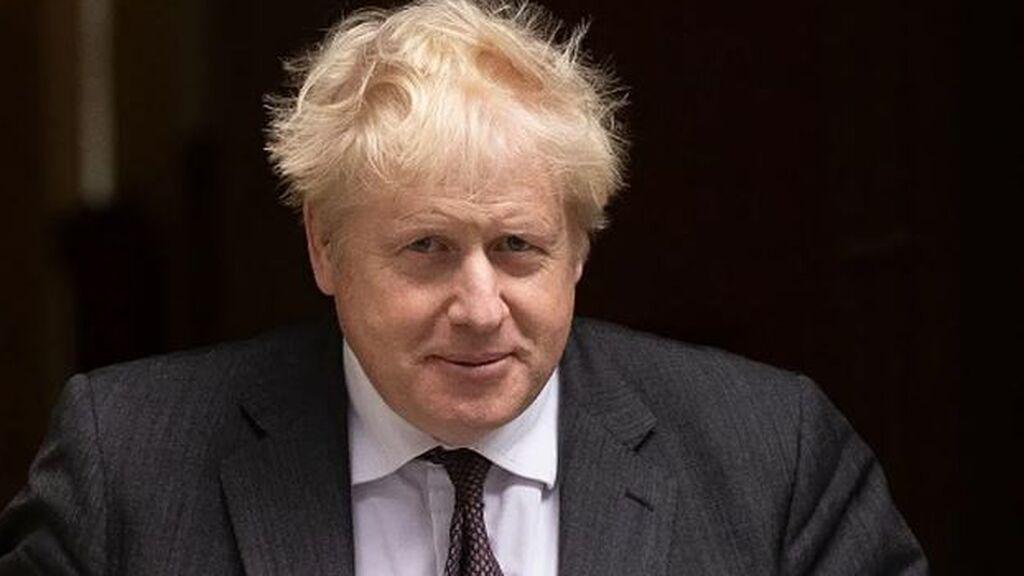 Johnson sacude su gabinete en plena caída de popularidad