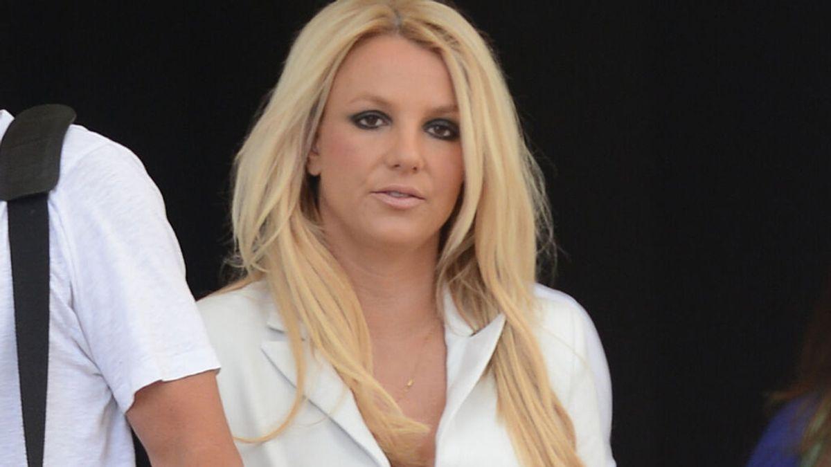 """Britney Spears elimina su cuenta de Instagram para """"celebrar su compromiso"""" con Sam Asghari"""