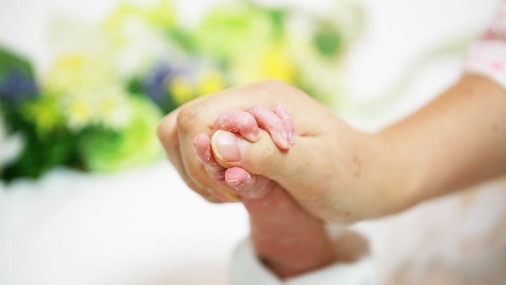 La OMS se propone reducir las prácticas innecesarias y nocivas para mujeres y recién nacidos en el parto