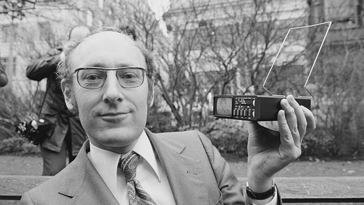 Muere Sir Clive Sinclair, el creador del mítico Spectrum: quién fue este ingeniero británico