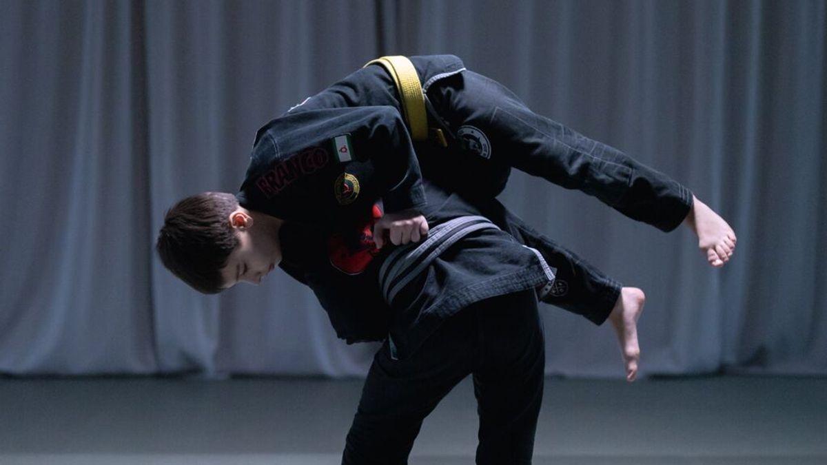 Un campeón mundial de Jiu Jitsu de 16 años se defiende con artes marciales de un ataque en plena calle