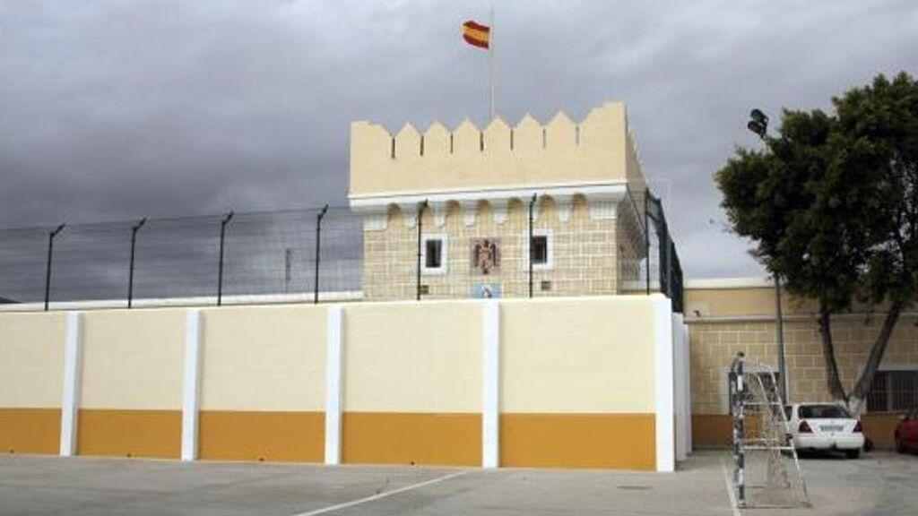 Melilla confina 14 días centro de menores por un brote con casi 90 afectados