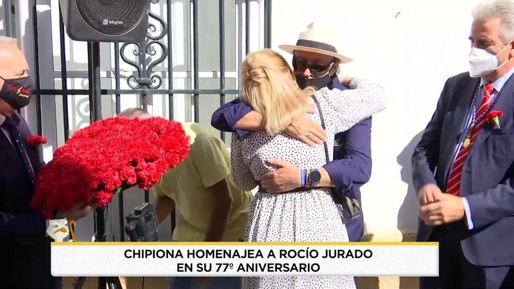 El abrazo de Gloria y Amador Mohedano