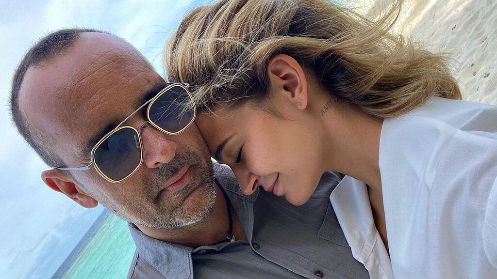 """Risto Mejide aplaude la crítica de Luis María Anson a su mujer, Laura Escanes: """"Parece que otros empiezan a verte"""""""