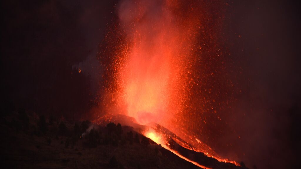 Se elevan a siete las bocas eruptivas del volcán de Cumbre Vieja en La Palma