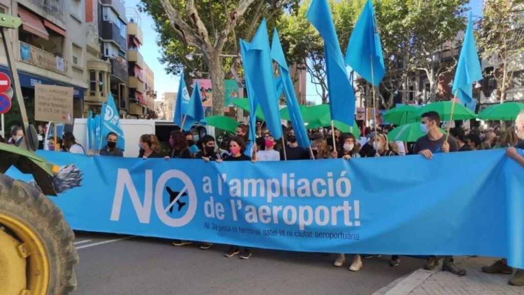 Arrancan las columnas hacia la manifestación contra la ampliación de El Prat