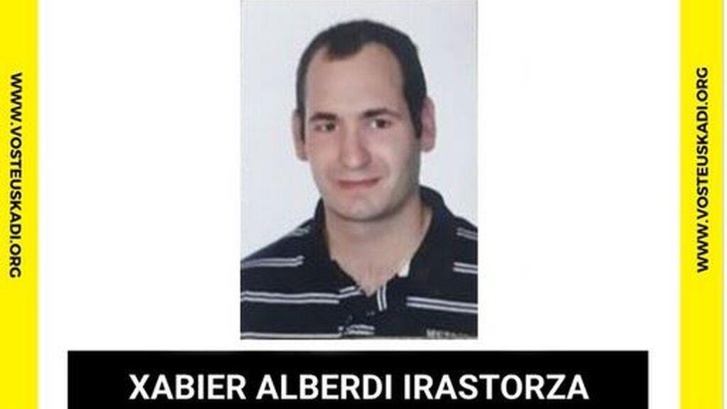 Sexto día de búsqueda de Xabier Alberdi: localizan la moto y la mochila en un monte de Berrobi