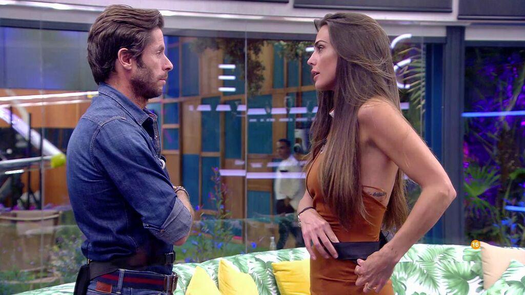 """Las primeras palabras entre Canales Rivera y Cynthia Martínez: """"Me apetece decirte cosas que se van a quedar entre tú y yo"""""""