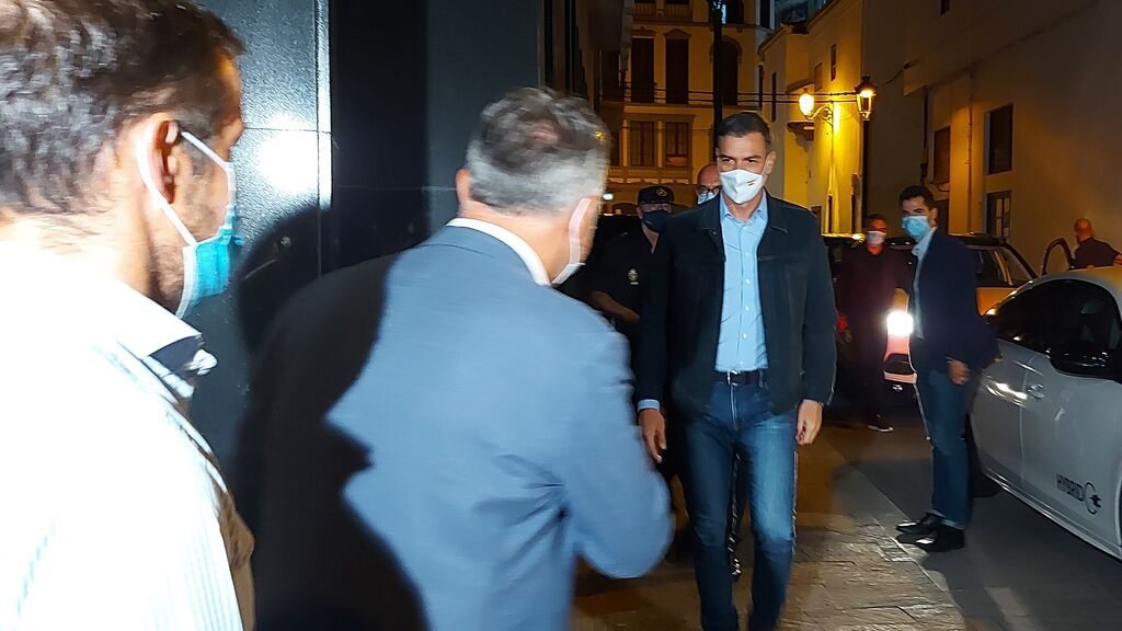 Sánchez comparece tras participar en la reunión del plan de emergencias en La Palma