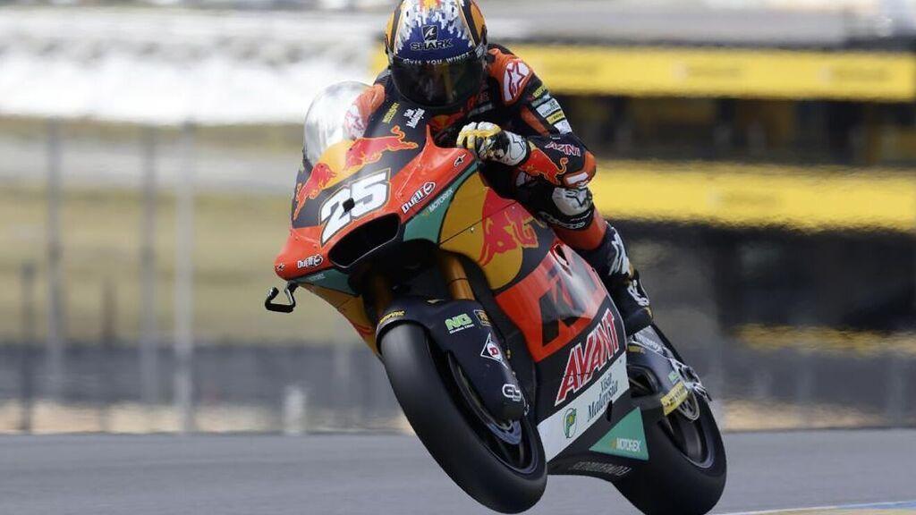 Raúl Fernández se lleva el duelo de Moto2 en San Marino