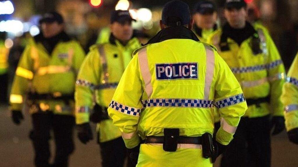 La Policía busca a un adolescente de entre 12 y 16 años que violó a una niña de 6 años en un bosque