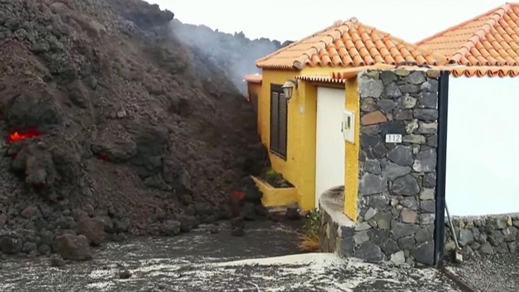 Casas de La Palma quedan enterradas para siempre por la lava