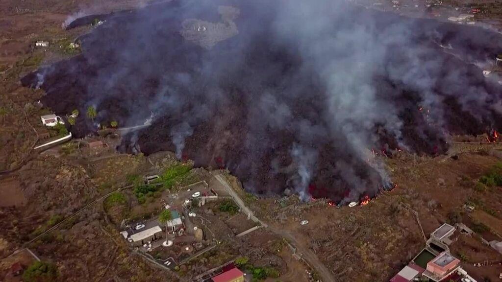 Frente de lava de la erupción del volcán de La Palma visto por un dron