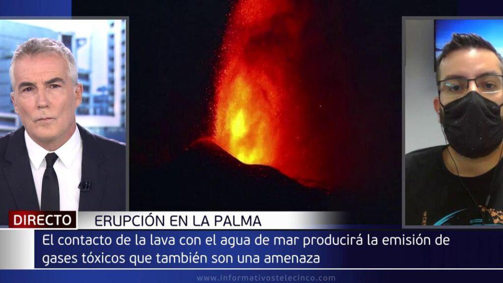 """David Cantero con Itahiza Domínguez, sismólogo: """"Pueden surgir más bocas"""""""