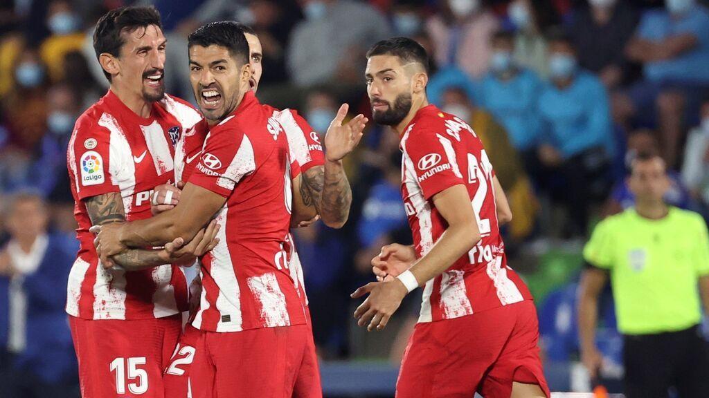 Luis Suárez sale al rescate ante el Getafe (1-2)
