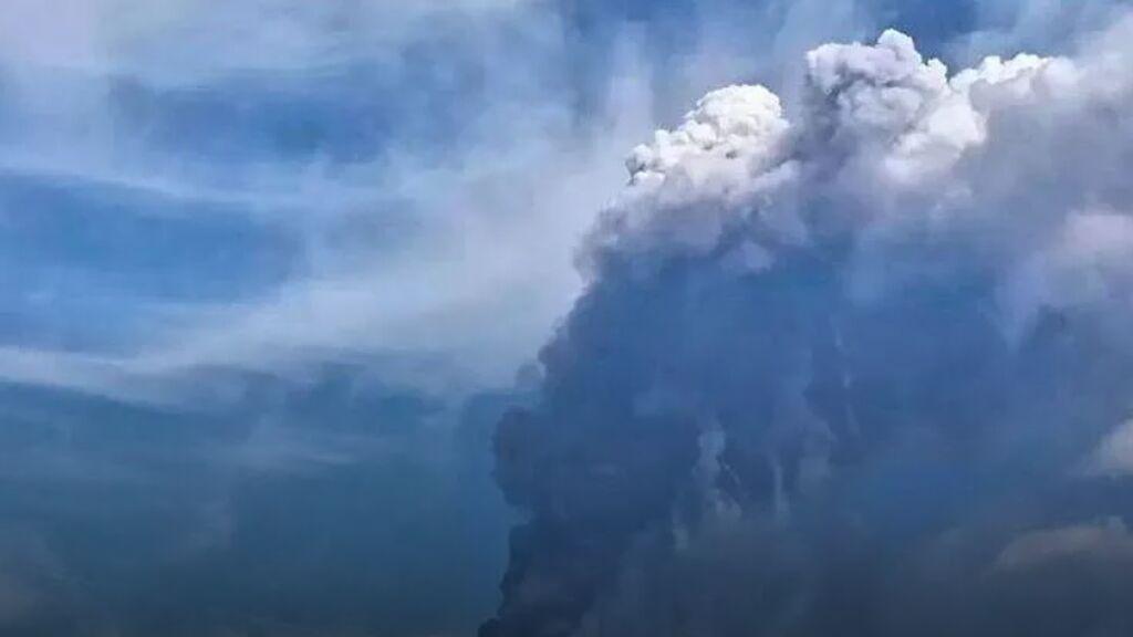El Etna entra en erupción
