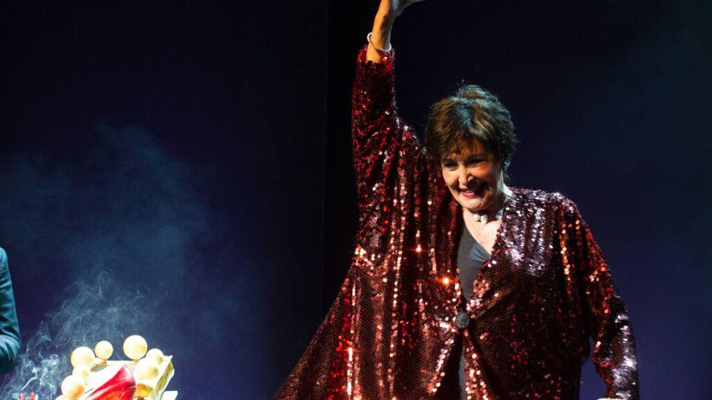 Concha Velasco celebrando su 73 cumpleaños en el teatro La Latina de Madrid