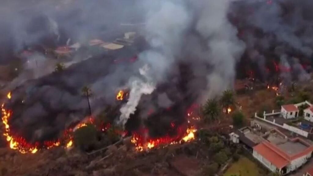 El avance imparable de la lava a vista de dron