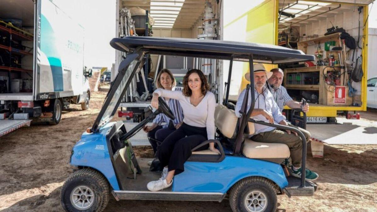Isabel Díaz Ayuso, en el rodaje de la película de Wes Anderson en Chinchón