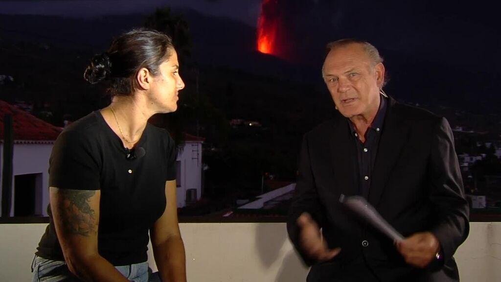 Pedro Piqueras entrevista a Leticia Rocha, la mujer convertida en símbolo del sufrimiento de los vecinos de La Palma