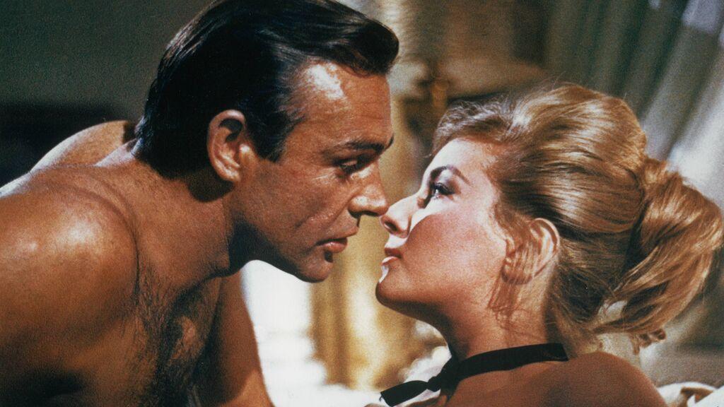 Sean Connery y Daniela Bianchi en 'Desde Rusia con Amor' (1964)