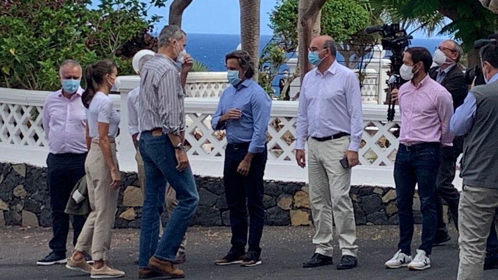 Los reyes visitan a los afectados por la erupción del volcán de La Palma