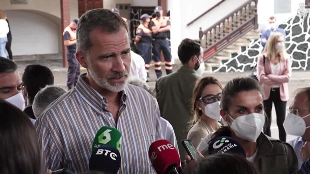El Rey promete ayudas para recomponer las vidas en La Palma