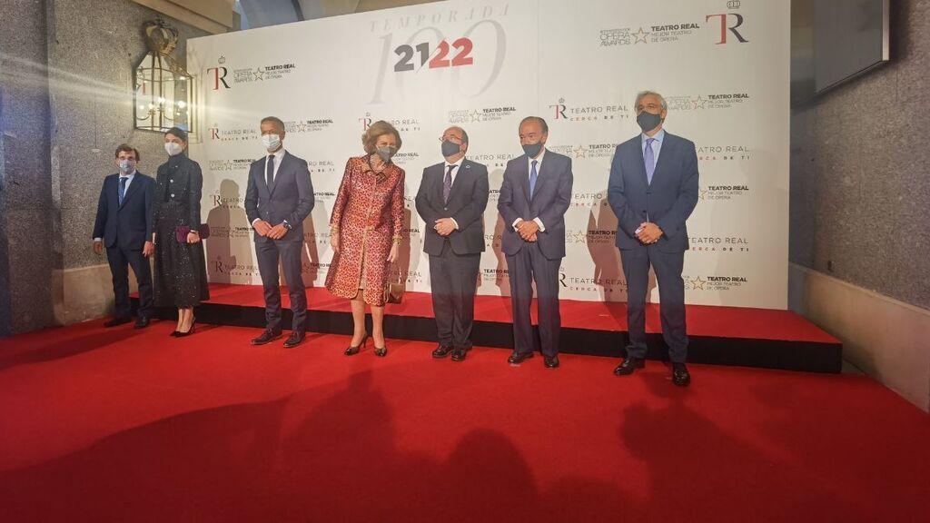 La reina Sofía preside el estreno de la temporada número cien del Teatro Real