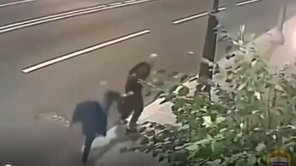 una anciana logra resistir a un intento de robo y consigue que el ladrón le pida disculpas