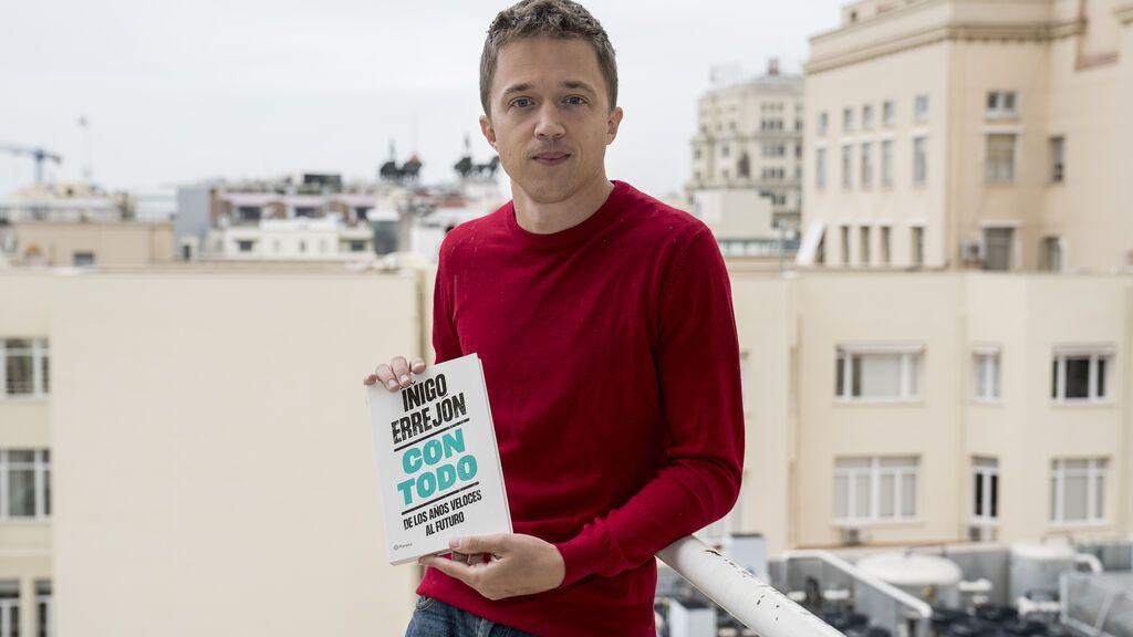 """Errejón narra en su libro """"caudillismo"""" y una """"corte"""" en torno a Iglesias, que buscó """"enterrarle"""" políticamente"""