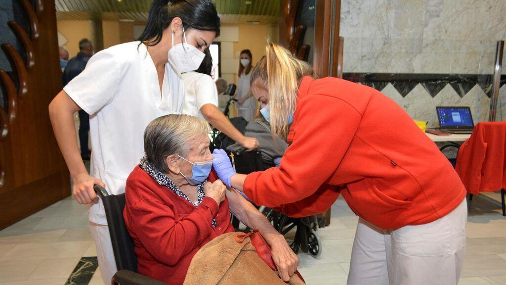 Arranca 3ª dosis vacuna covid en residencias mayores de 7 provincias de CyL