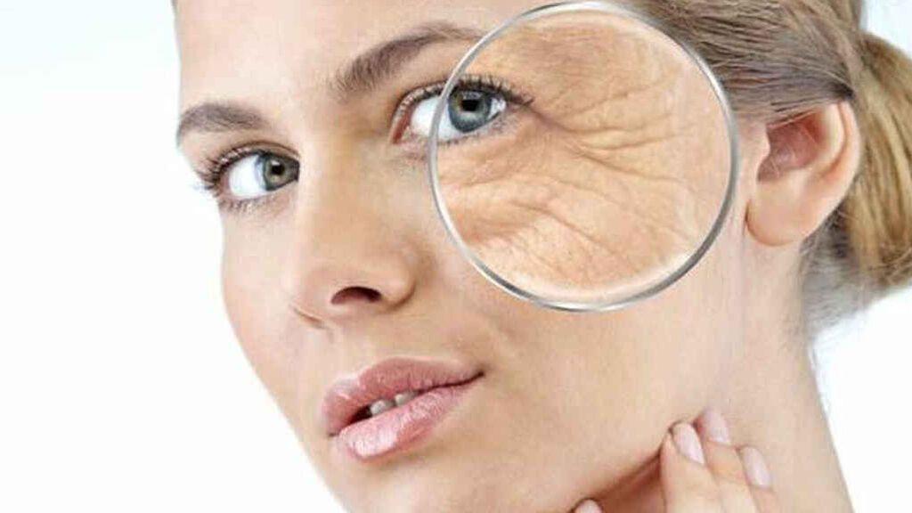 Más firmeza y menos arrugas con el yoga facial