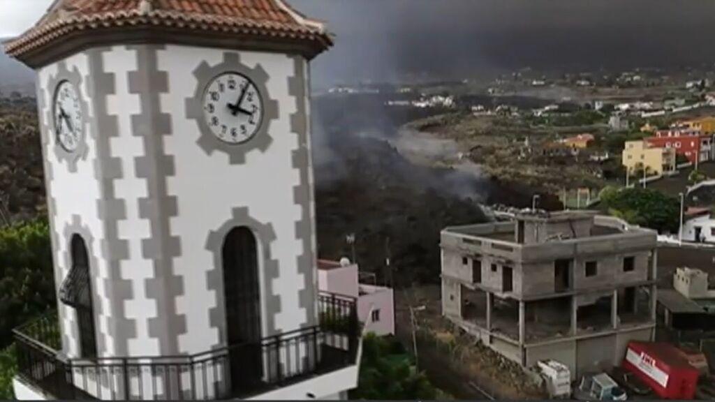 Entrevista al cura de Todoque, que espera que su iglesia se salve del volcán